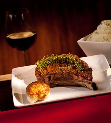 R Steak & Seafood Las Vegas Elevates Dining Experience