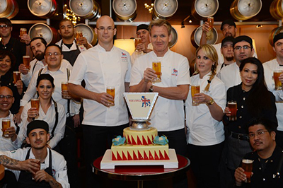 Chef Gordon Ramsay Toasts The One Year Anniversary Of Pub Amp Grill And Celebrates Burgr S First