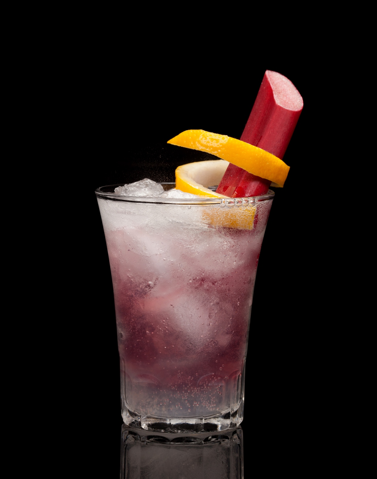 Brockmans Welcomes Warm Weather With Summer Cocktails