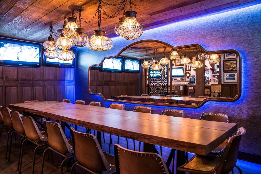 Vanrooy design panama joe 39 s now open food beverage for Food 101 bar bistro