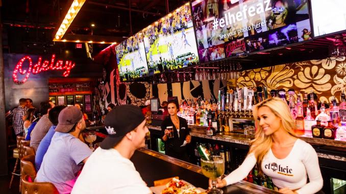 Digital Signage Enhances the Restaurant Customer Experience