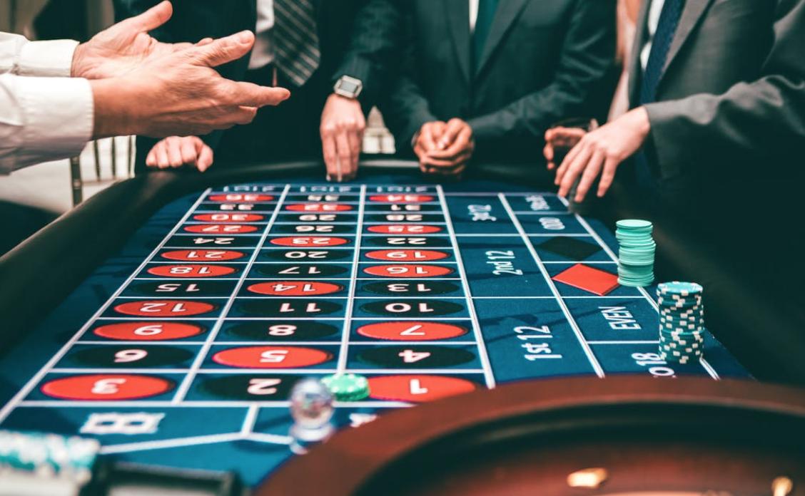 6 Reasons Casino Games Are So Entertaining - Food & Beverage Magazine
