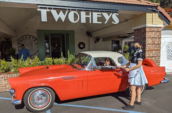 NEW CURBSIDE CARHOP IS THE LATEST TREND AT TWOHEYS RESTAURANT IN SOUTH PASADENA, CA