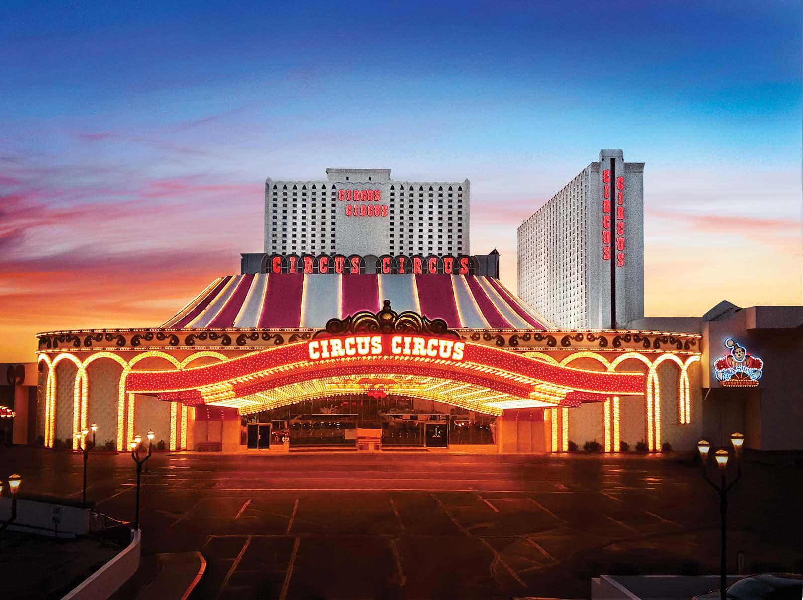 Iconic Las Vegas Buffet Reopens